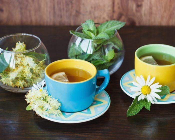 ингаляции с содой, чабрецом, ромашкой, цветками липы